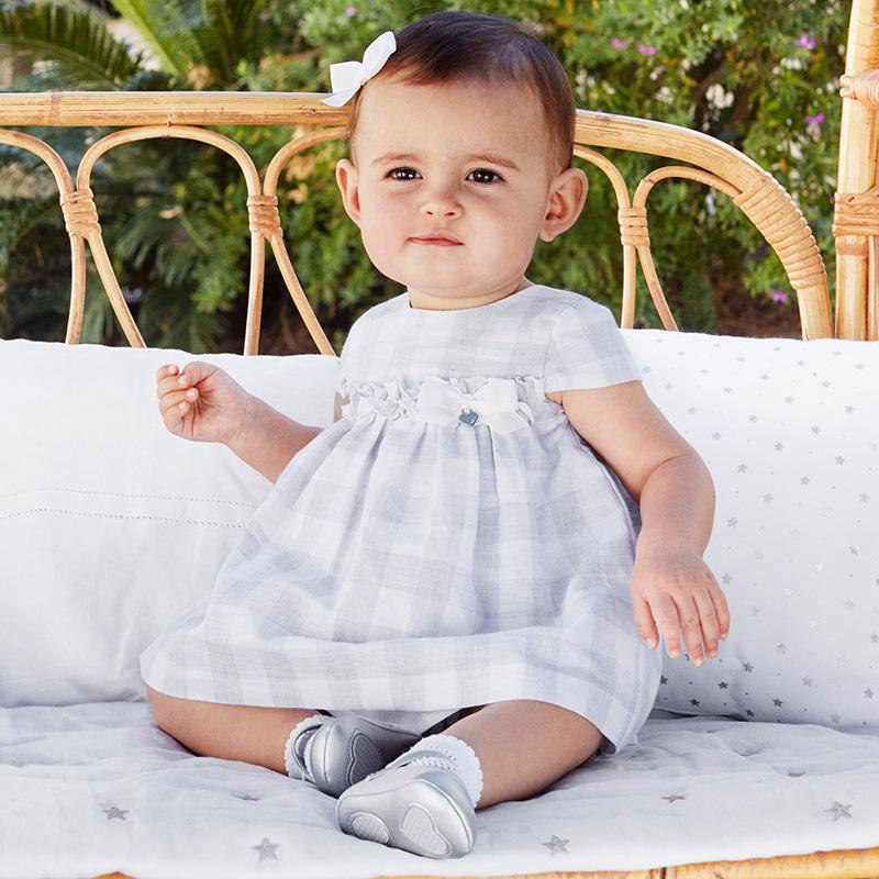 8d31cd6a28 Lniana sukienka w kratę z majteczkami dla dziewczynki Newborn Srebrny