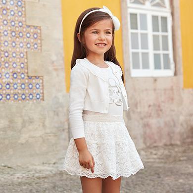 ec0b8f5f4 Conjunto camiseta y falda encaje niña