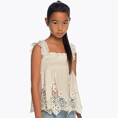 527512af9 Blusa tirantes con bordados niña