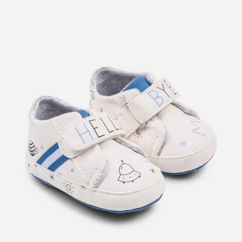 Παπούτσι αθλητικά νεογέννητο Γαλαξίας - Mayoral cf08083845e