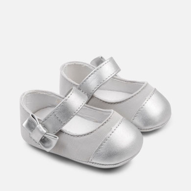 bc404aec182f Metallic toe Mary Jane shoes for newborn girl