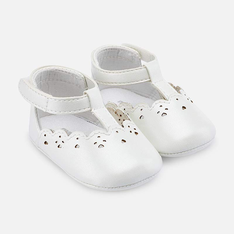 d221ed5f2 Zapatos calados bebé recién nacida Blanco - Mayoral
