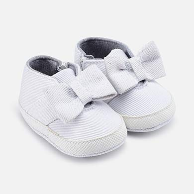 dad136ccc Zapatillas deportivas lazo bebé recién nacida