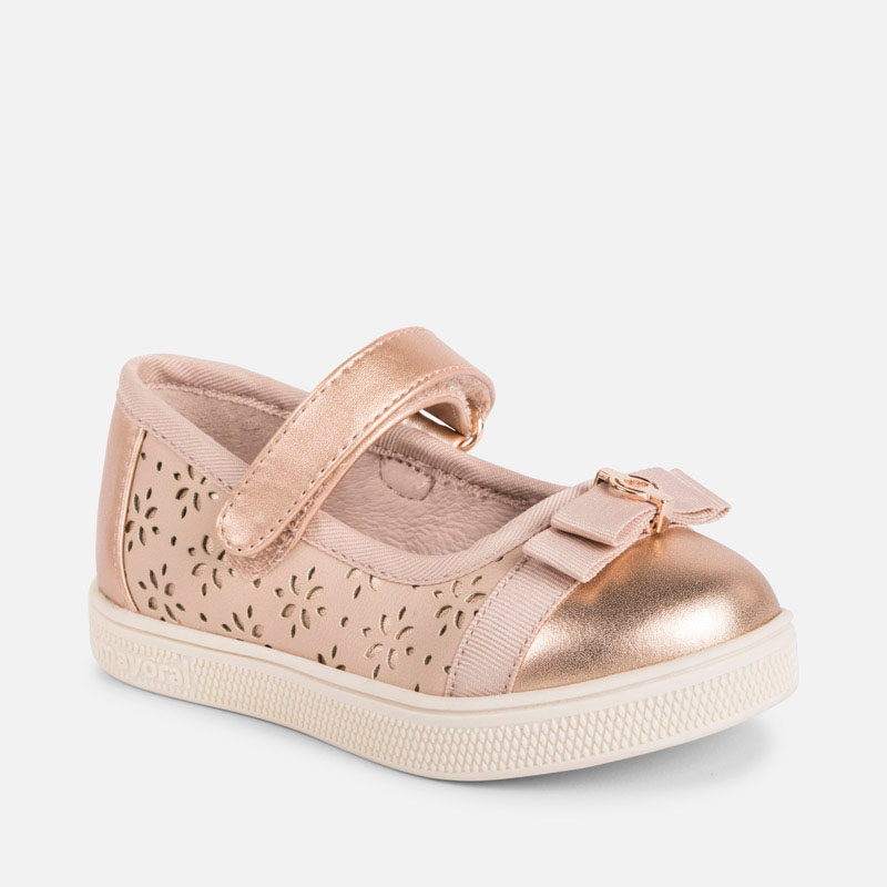 Sporty Mary Jane shoes for baby girl