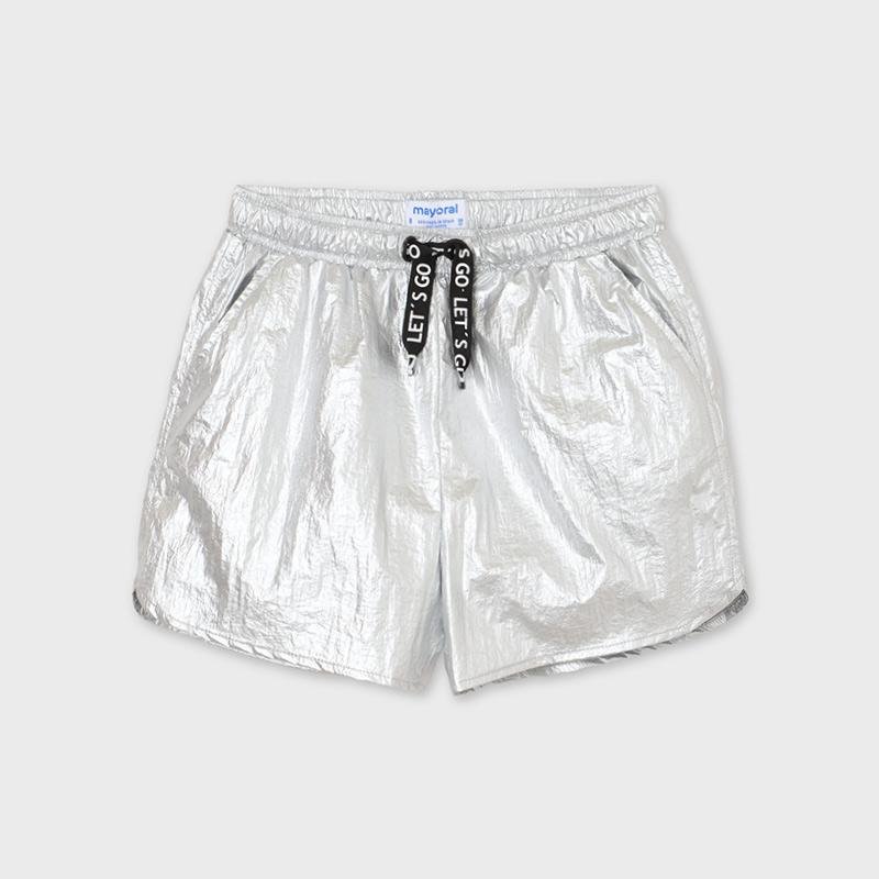 https://media.mayoral.com/wcsstore/mayoral/images/catalog/mayoral/krotkie-spodnie-metalizowane-dla-dziewczyny_id_21-06275-062-800-4.JPG?v=20201103110918