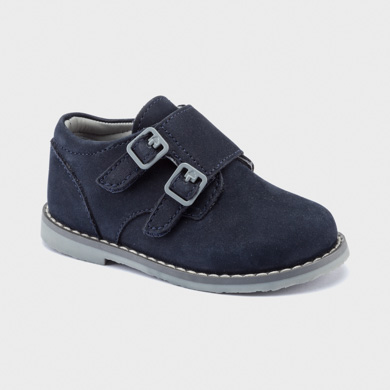 Smart shoes with velcro fastening for